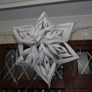 Crafts with kids 3D paper snowflake