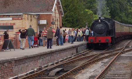 Train entering Lakeside Station on the Haverthwaite and Lakeside railway